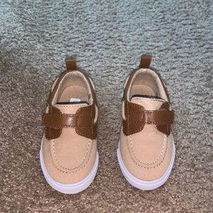 Brown crazy 8 shoes for boy